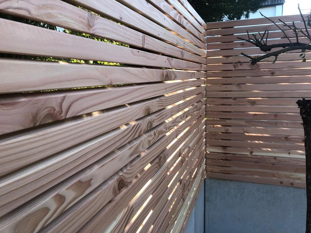 Holz im Garten, holz massiv