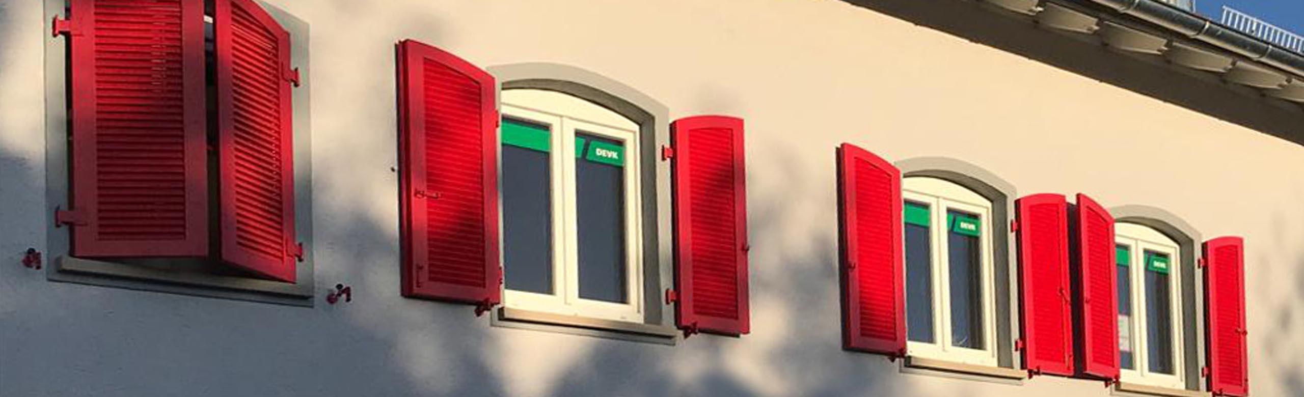Fensterlaeden, holz massiv